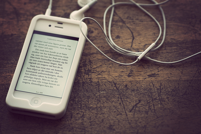 Forget Kindles, mobile reading is all about the iPhone - Ingenta