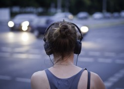 Publishers & booksellers look to audiobooks for growth
